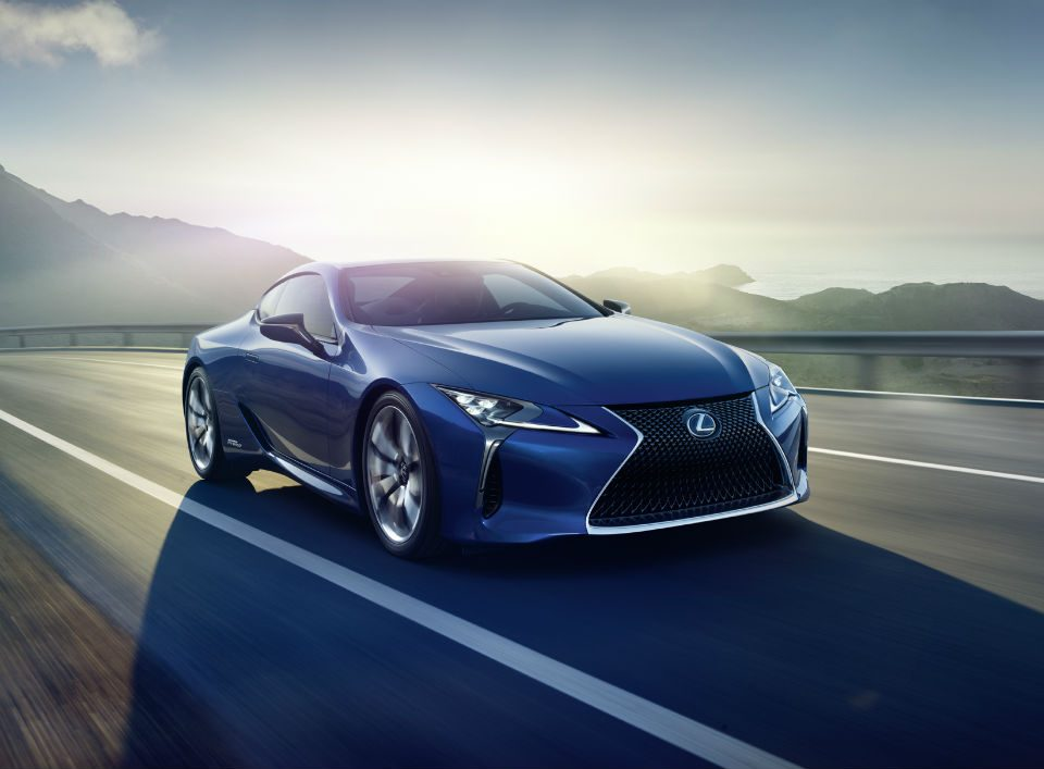 Lexus_LC_500h_abre